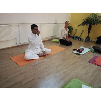 Ashish Ahlawat  - Tradicionális jóga tanfolyam - 2020. március 14.